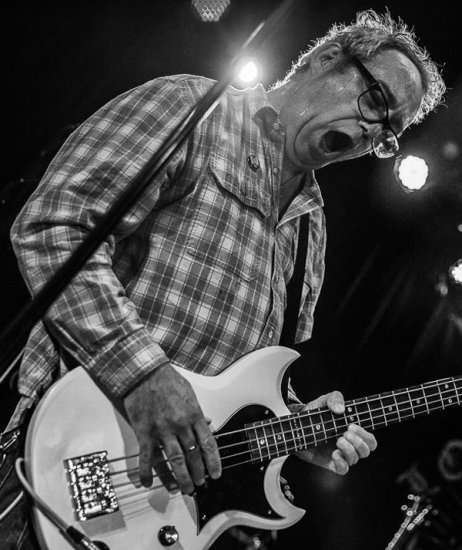 Майк Уотт: «Панк – параллельная вселенная» / Mike Watt: «Punk is a parallel universe»